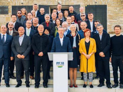 Kandidáta na primátora Petra Fiabáne podporuje 42 z celkových 150 kandidátov na poslancov v Žiline